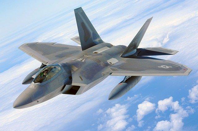 military-raptor-582888_640